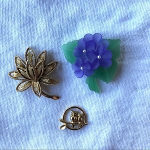 2/$20 Vintage Avon brooches -lot of 3